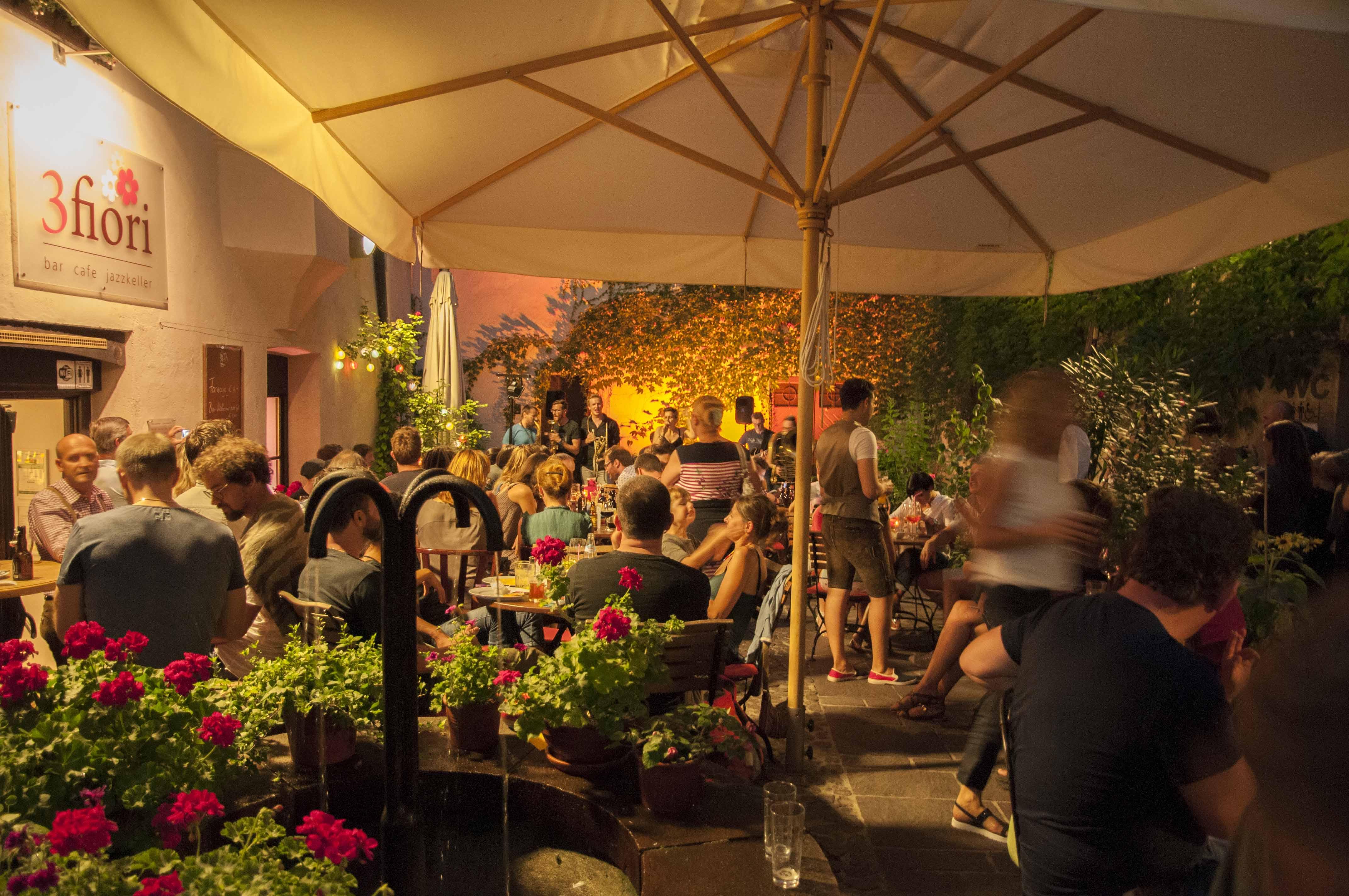 Bewertung incontri Cafe Singapore siti di incontri